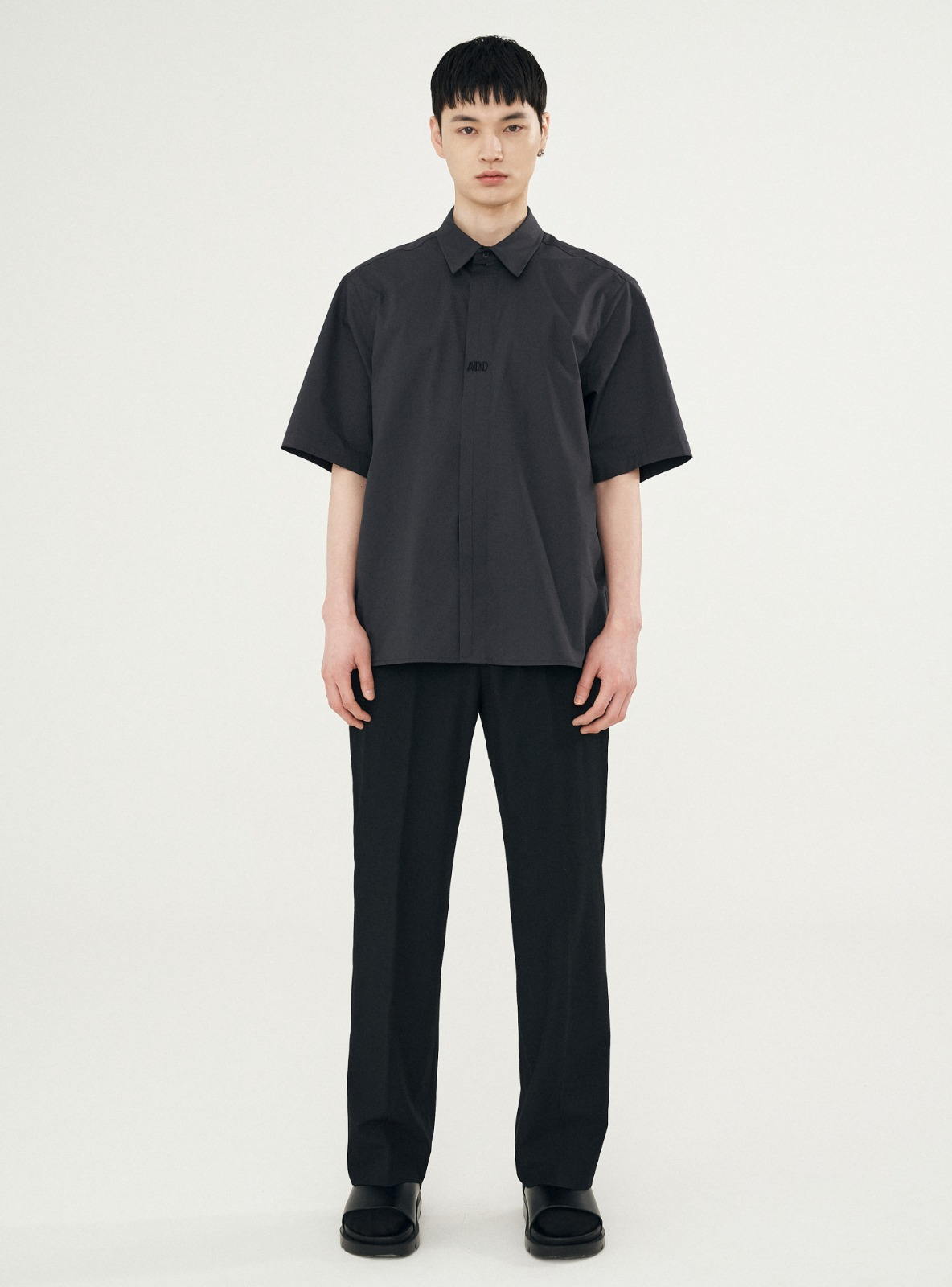 FOLDED PLACKET SHORT SLEEVE SHIRT CHARCOAL