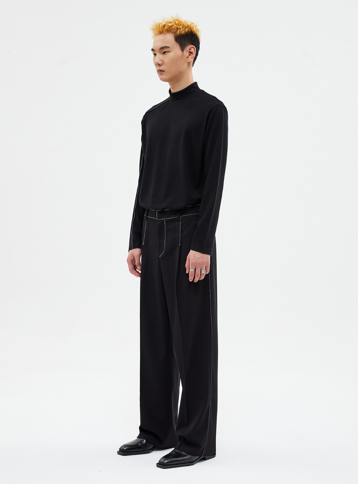 자체브랜드 - CONTRAST STITCH WIDE SLACKS BLACK