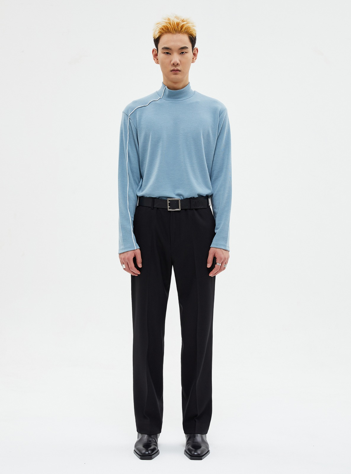 자체브랜드 - HALFNECK STITCH LONG SLEEVE TEE POWDER BLUE
