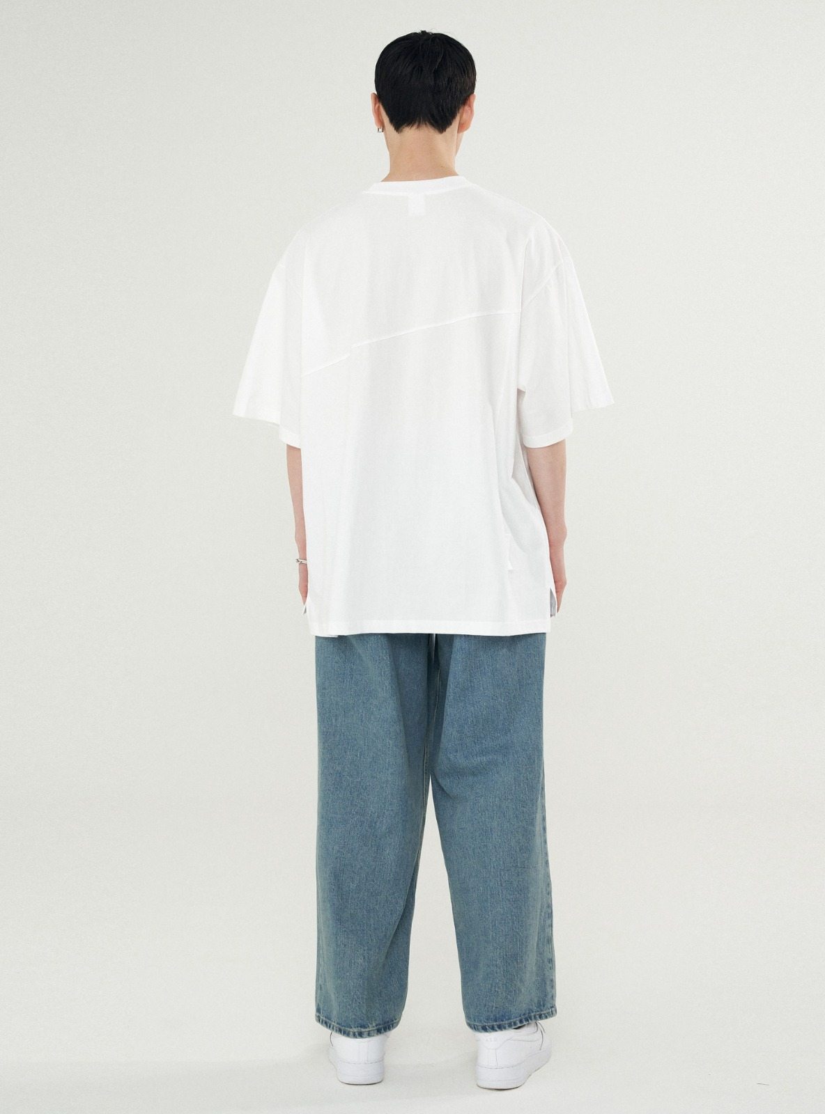 BACK SLIT AVANTGARDE TEE WHITE